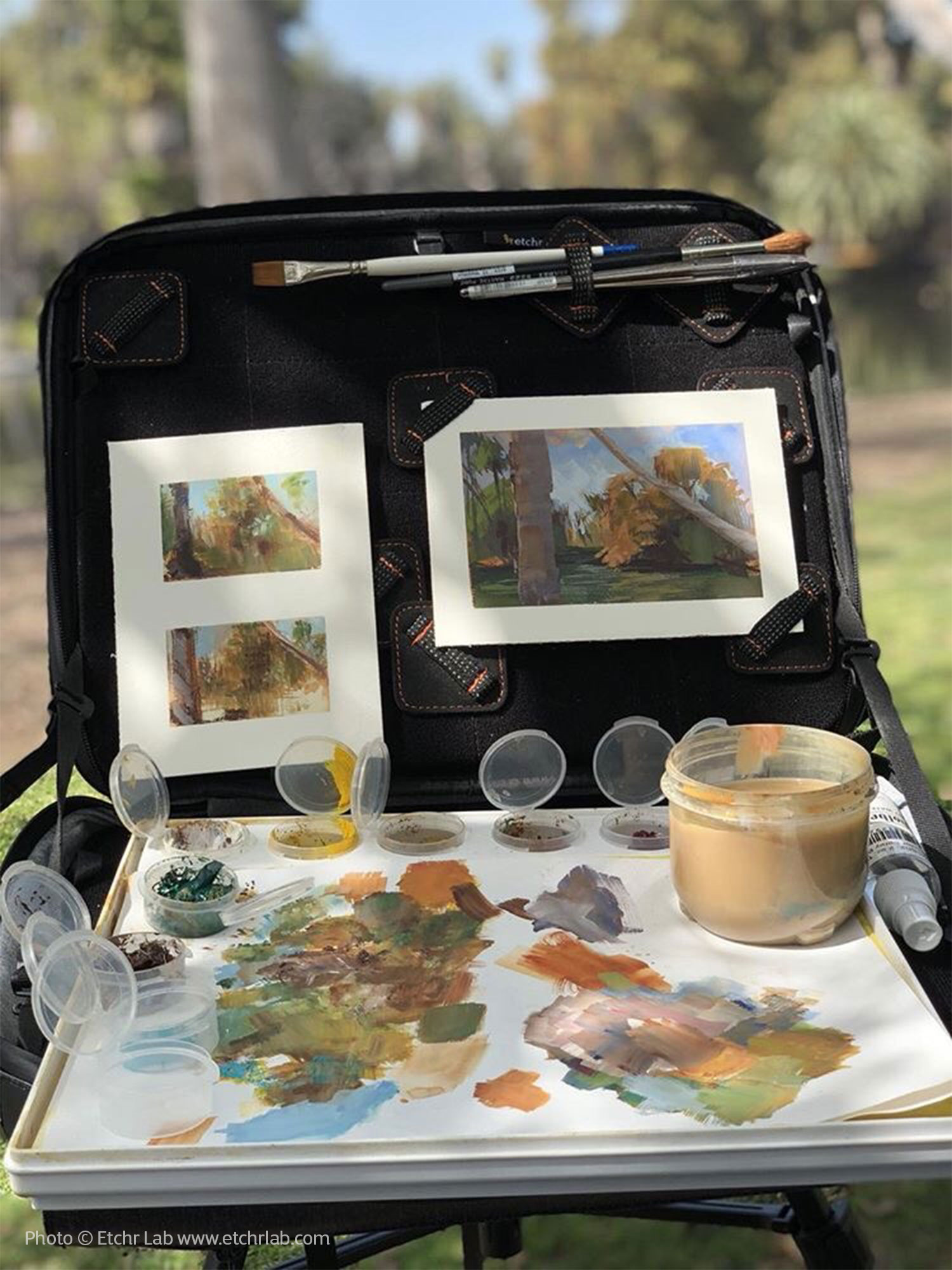 Photo ©Etchr Lab www.etchrlab.com Photo shows the Etchr Slate Satchel open and set up as a water color easel